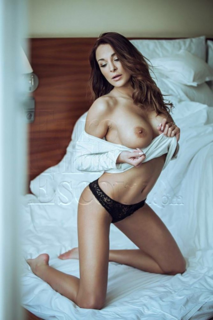 Escort Helga - beautiful girls from Prague